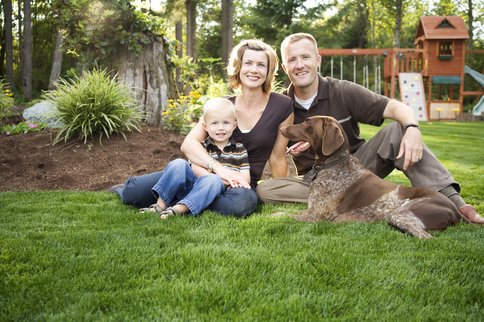 фото семьи с собакой пудель документ, прописывающий